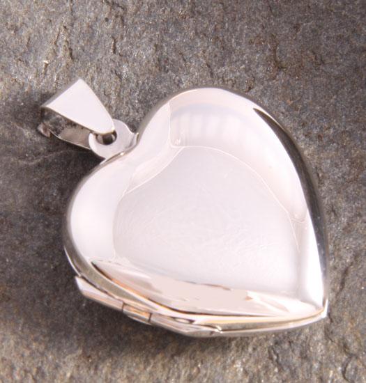 Silver Medaillon Heart Plain